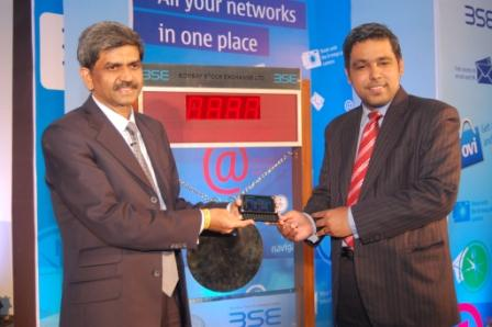D. Shivakumar, VP and MD, Nokia India and Madhu Kannan, MD and CEO, BSE at the Closing Bell