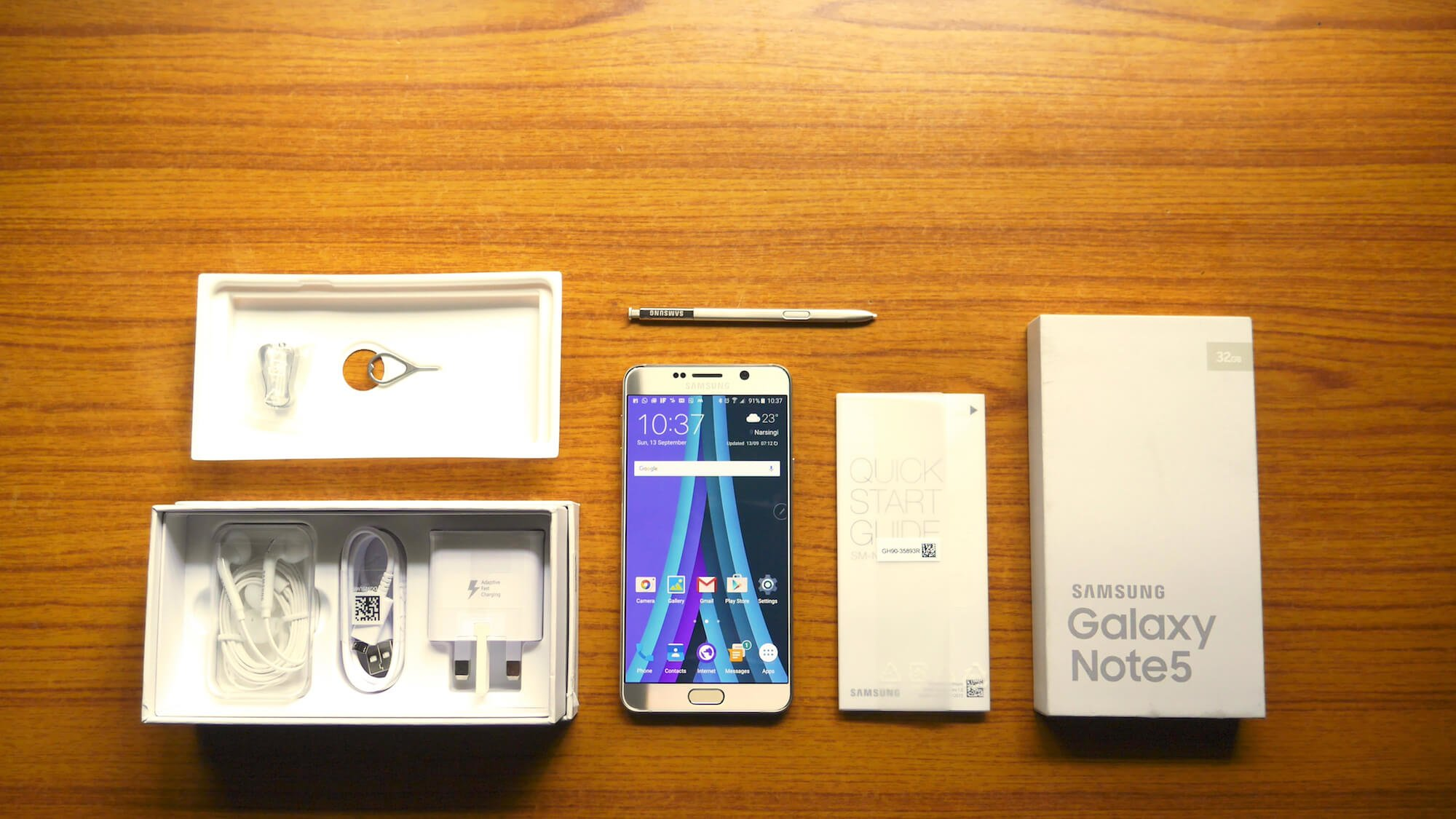 Samsung Galaxy Note 5 Unboxing Package Contents
